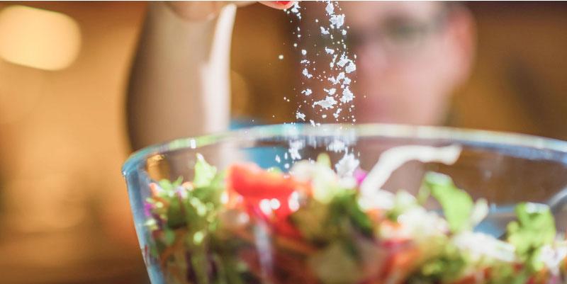 seasoning a salad